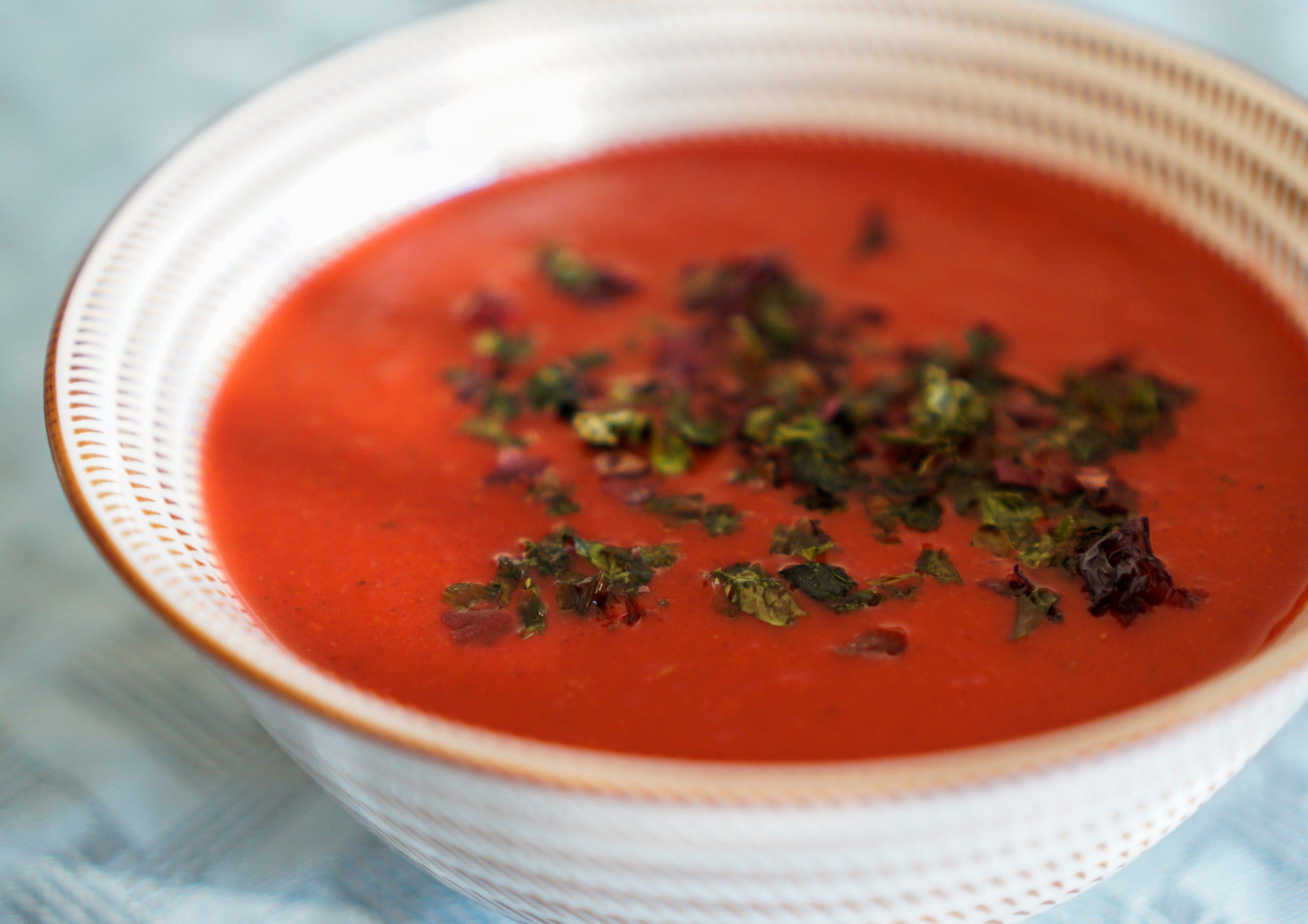 Крем-суп из печеной свеклы с апельсином