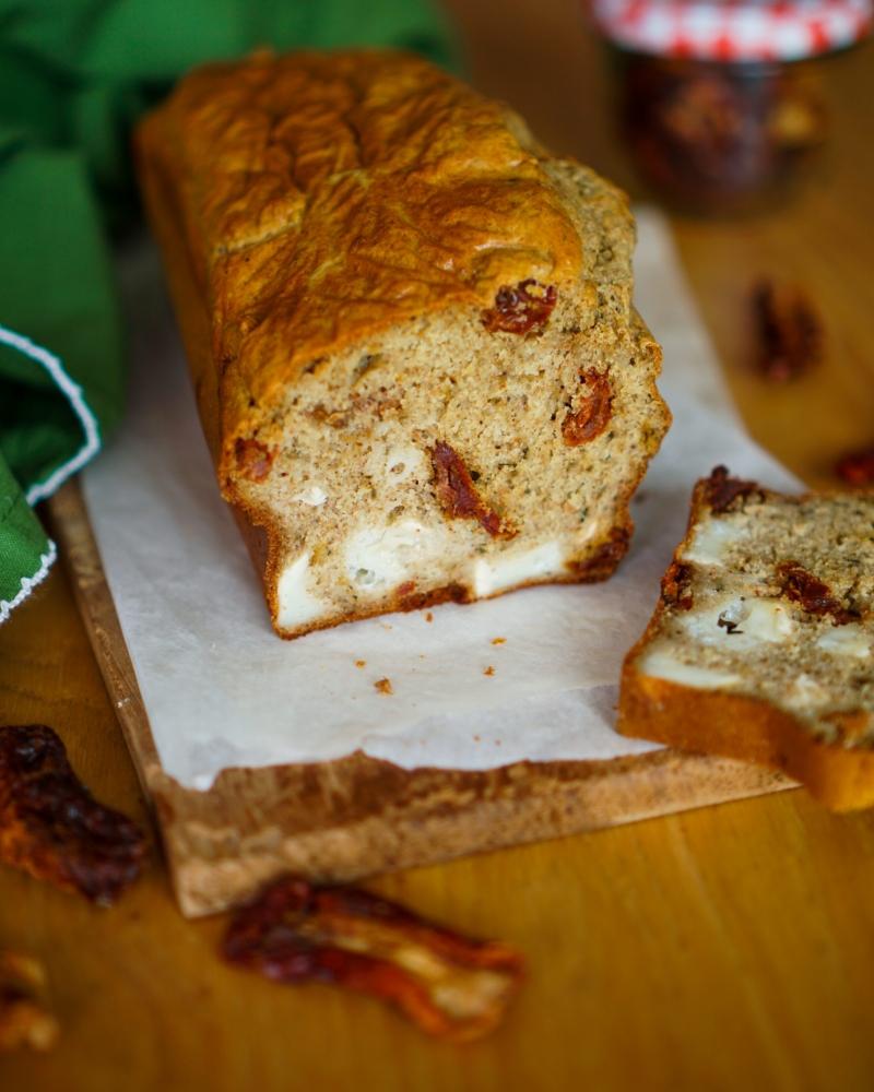 Cake au chèvre tomates séchées recette facile et rapide maison